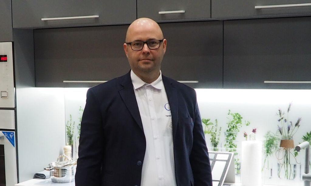 Kecskeméti Zoltán, bútorasztalos, alapítónk, a TBM tulajdonosa